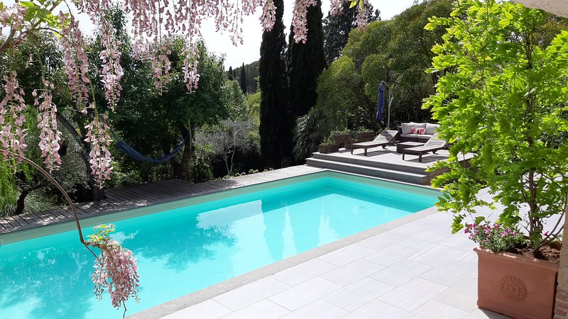Sandra Exclusive Guest House with a private Pool, casa vacanza a Ronciglione