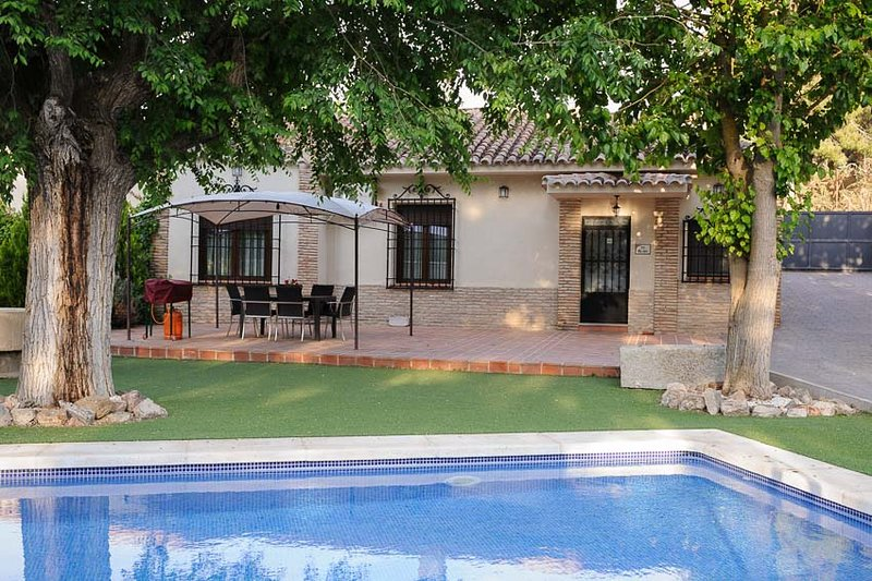 CASA EL OLMO (  Finca el Pinar de la Bastida), holiday rental in Arges