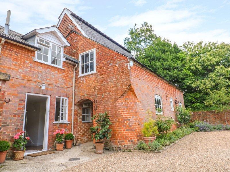 Mews Cottage, Bentley, Hampshire, holiday rental in Bentley
