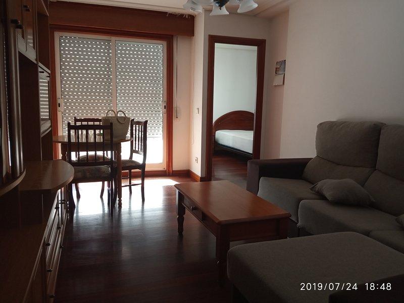 Apartamento muy céntrico en Vigo a 4 min.del puerto y del casco antiguo, location de vacances à Moana
