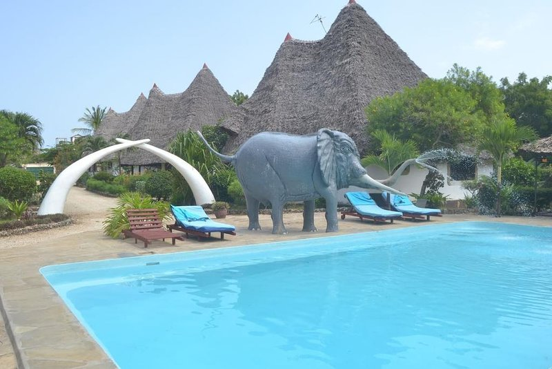 ZEBRA COTTAGE - DIANI GREENLANDS, vacation rental in Diani Beach