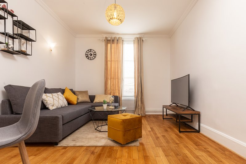 Appartement Cosy/Confortable, proche Paris (12 mn), vacation rental in Stains