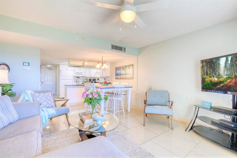 Stunning Oceanfront Condo - Truly One of a Kind!, holiday rental in Palm Shores