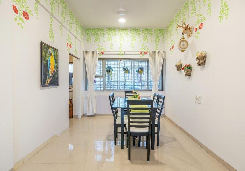 Large 4 BHK near Asian Heart Institute, vacation rental in Ghātkopar