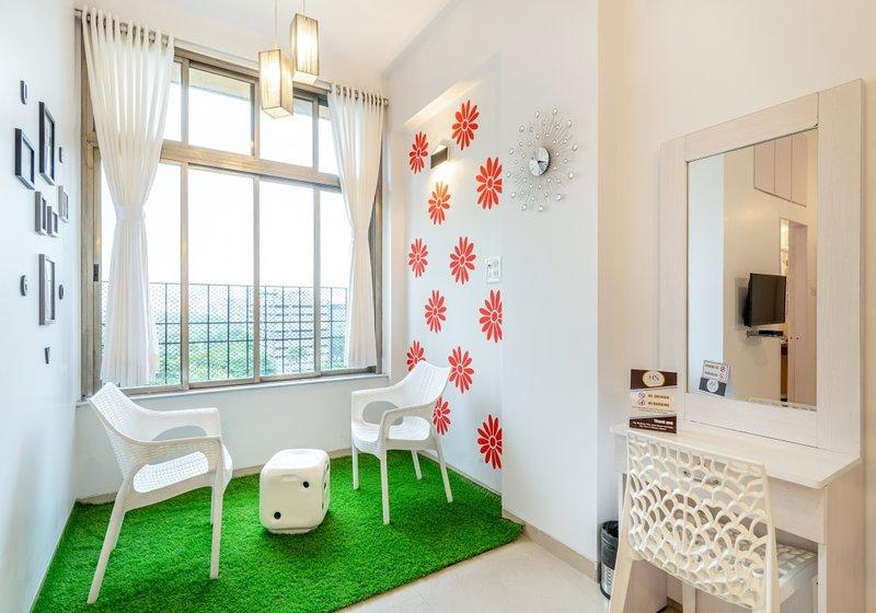 Relaxing 2 Bedrooms + Asian Heart institute, vacation rental in Ghātkopar