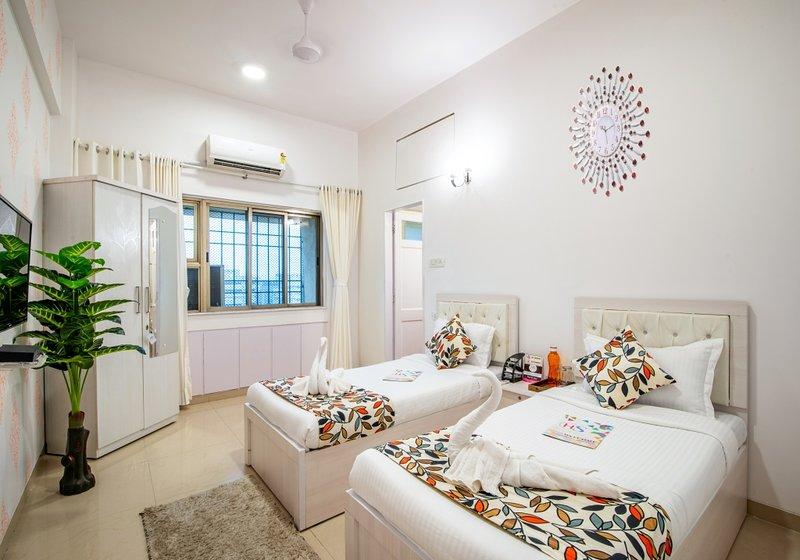 Airy 2 Bedrooms near Bandra Kurla Complex, vacation rental in Ghātkopar