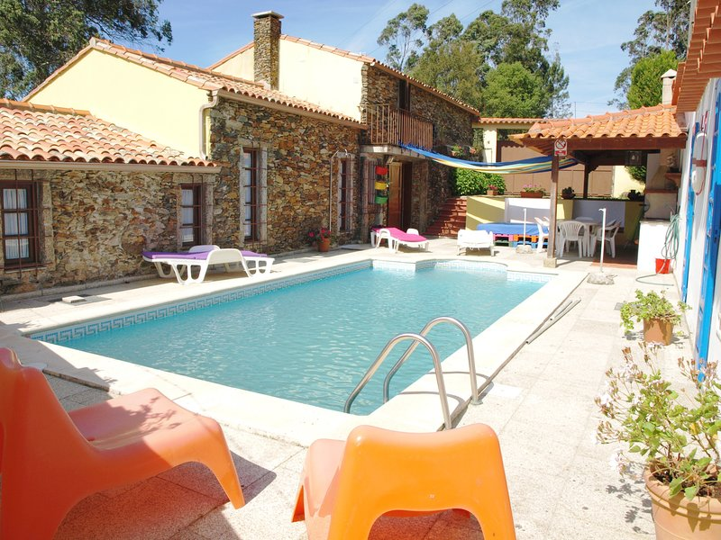 BCL12V3 Antiga Azenha convertida num alojamento tu, holiday rental in Travassos