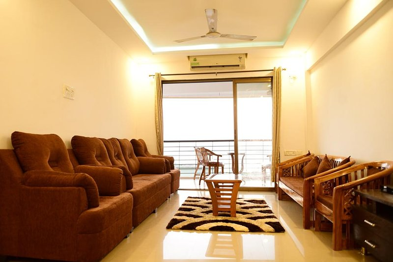 3BHK APARTMENT WITH RIVER VIEW, holiday rental in Dona Paula