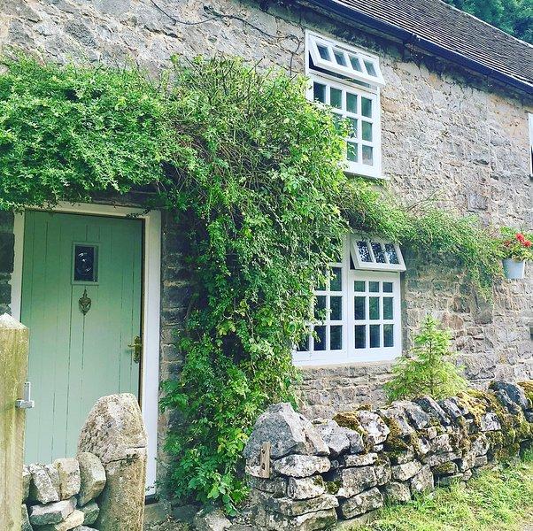 Perfect Espace! Bankside Cottage Milldale, location de vacances à Parwich