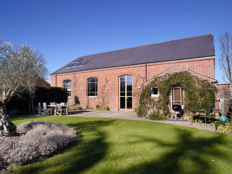 The Chapel - as featured in 25 Beautiful Homes, holiday rental in Tangmere