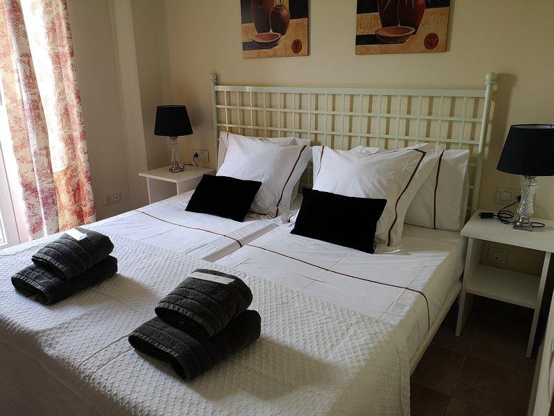 Acogedor y amplio apartamento de un dormitorio a 100 de la playa – semesterbostad i Isla Canela