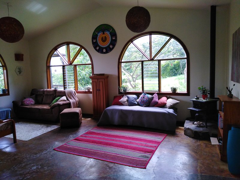 New! Casa Ceiba at Samanea Nature Sanctuary and Farm near Monteverde, Ferienwohnung in Nationalpark Monteverde