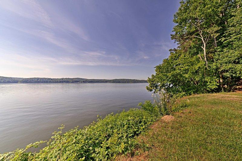 Un corto paseo es todo lo que se interpone entre usted y el río Tennessee.
