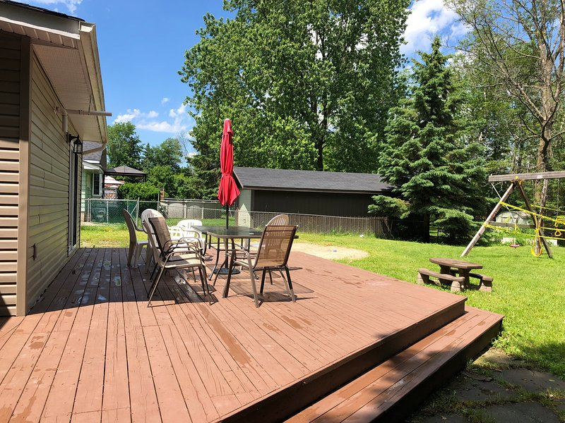 Peaceful Cottage Close To Innisfil Beach, alquiler de vacaciones en Jacksons Point