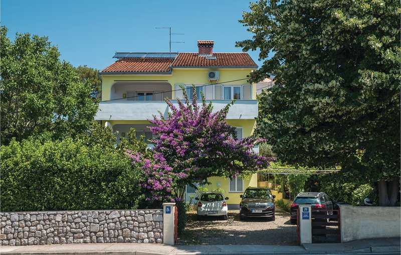 Awesome apartment in Mali Losinj with WiFi and 3 Bedrooms (CKL243), holiday rental in Veli Lošinj