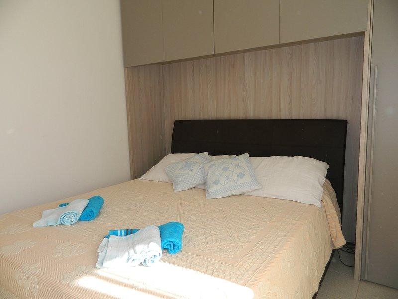 Sardinia-Holiday Appartamento Soleggiato, holiday rental in Badesi