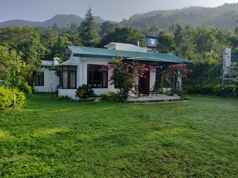 The Mountford's Arcadia - Luxurious Cottage 2 Bedroom - Nainital, vacation rental in Haldwani