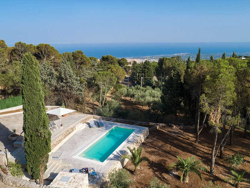 Chiusa Cavalli Villa Sleeps 6 with Pool Air Con and WiFi - 5810145, holiday rental in Lenzevacche
