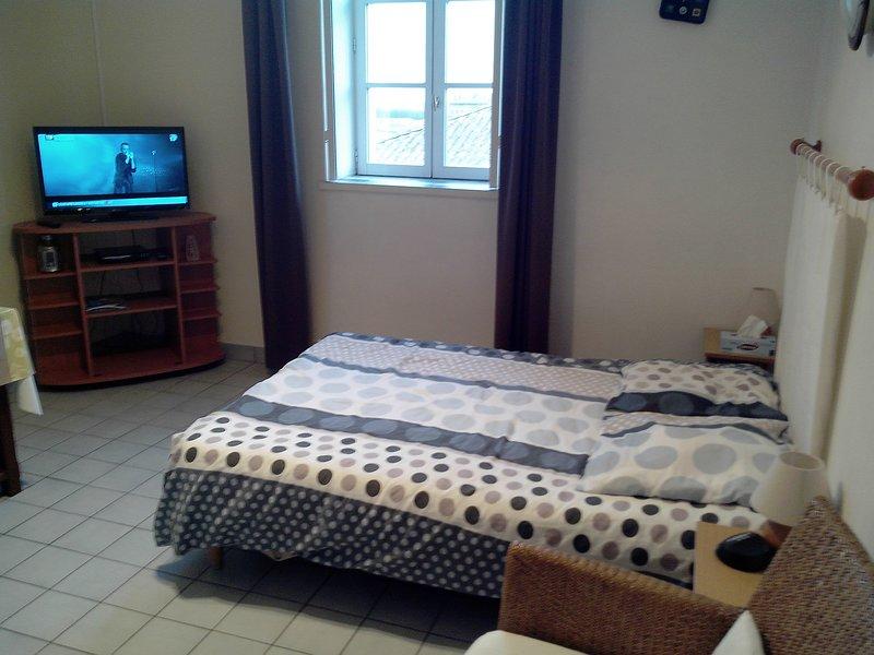 location studio meuble, vacation rental in Rochefort