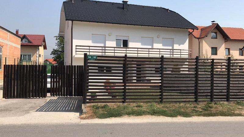 Family house, holiday rental in Ilijas