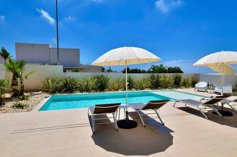Casa Blanca - Villa Deluxe, location de vacances à Marina di Ragusa