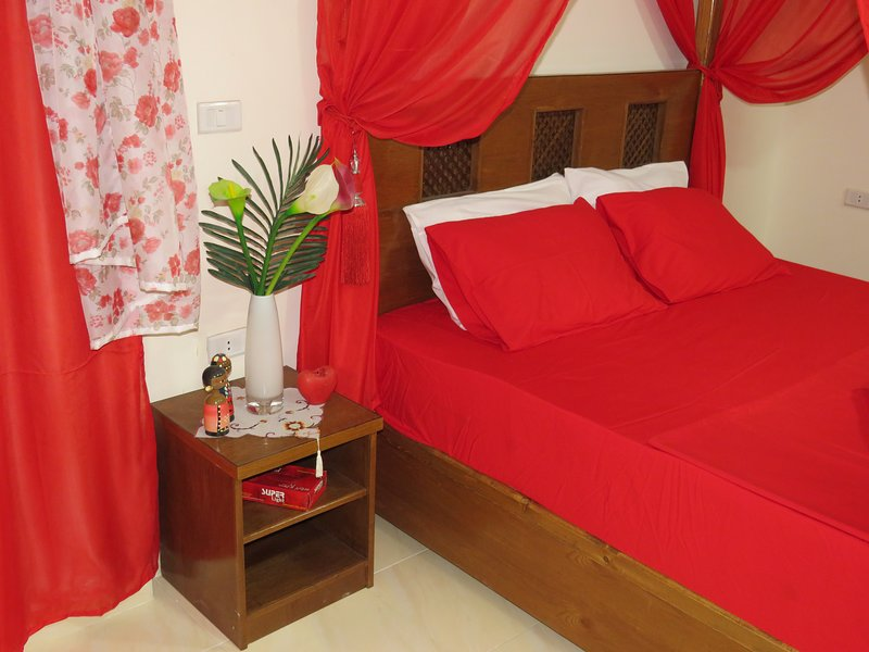 Apartment 1000 and 1 night RedSeaLine, vacation rental in Hurghada