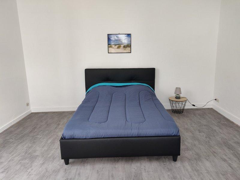 Maison 3 chambres 1 à 9 pers, Nombreux lits séparé, holiday rental in Donges
