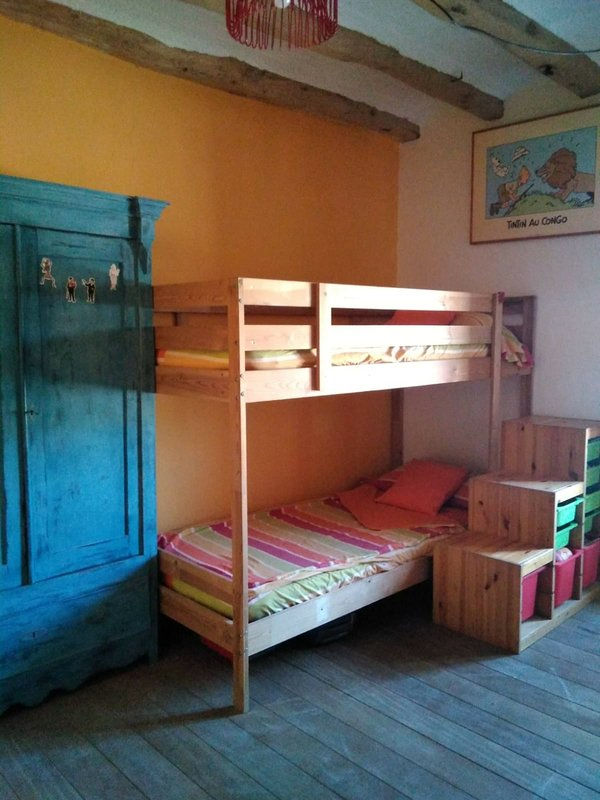 Chambre des jeunes avec lits superposés