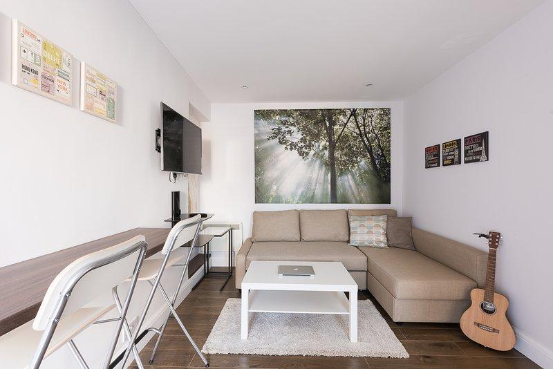 Spectacular Modern Apartment, vacation rental in Borehamwood