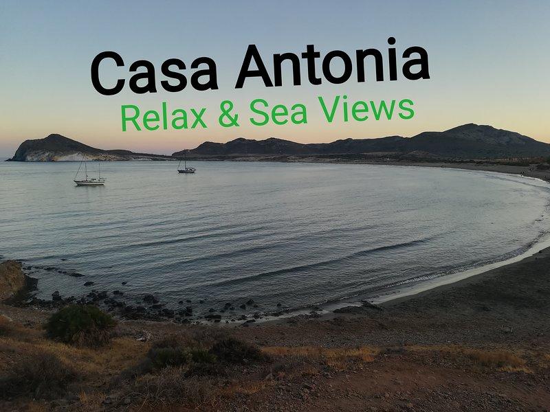 Apartamento 'Casa Antonia' Reserve tranquilidad y vistas al mar inolvidables, location de vacances à San Jose