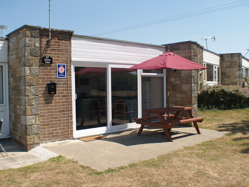 Sunny View, 87 Brambles Chine, Freshwater Isle of Wight 4* VisitEngland rating, vacation rental in Freshwater