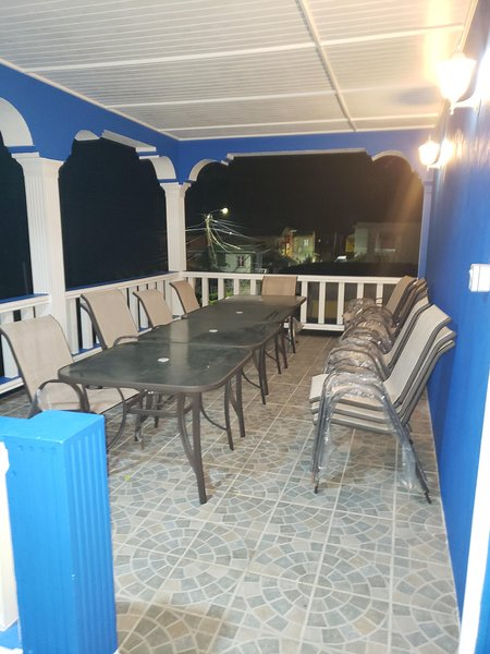 R&C Quality Bar and Guest House, aluguéis de temporada em Union Island