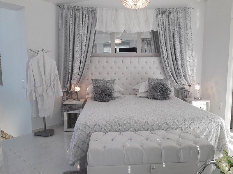 Dion Suite Private Villa with Pool, aluguéis de temporada em Skinaria