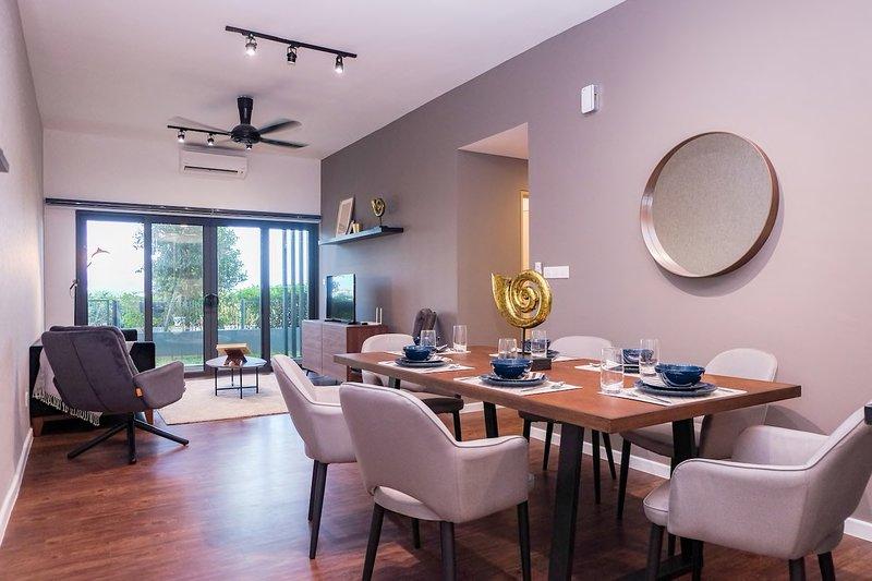 Luxury Design Suite opposite Majestic Royal Mosque View, location de vacances à Shah Alam