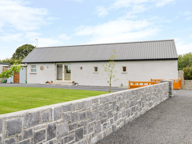 Tom & Mary's Place, Ballygar, County Galway, holiday rental in Athlone