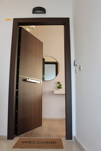 Modern cozy apartment with great view close to metro, holiday rental in Agios Dimitrios