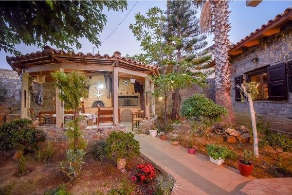 Anthi's Cottage, holiday rental in Mononaftis