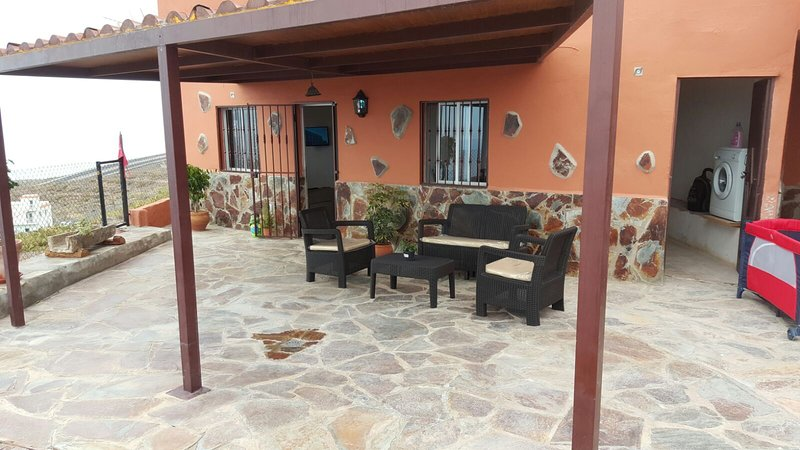 Beautiful house with sea view, holiday rental in Armenime