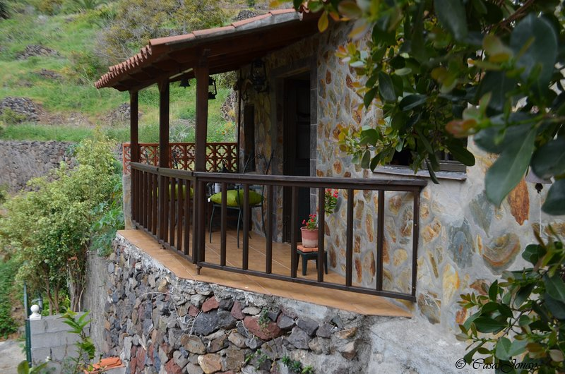 Nice house with garden & terrace, holiday rental in Las Casas