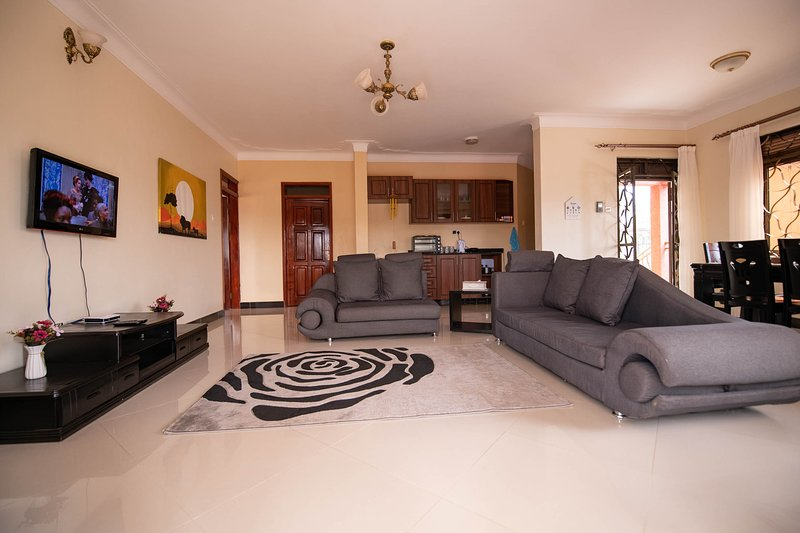 StoneWall 3 Bedroom Apartment, holiday rental in Kampala