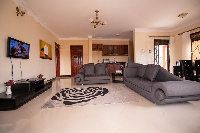 StoneWall 3 Bedroom Apartment, vacation rental in Namugongo