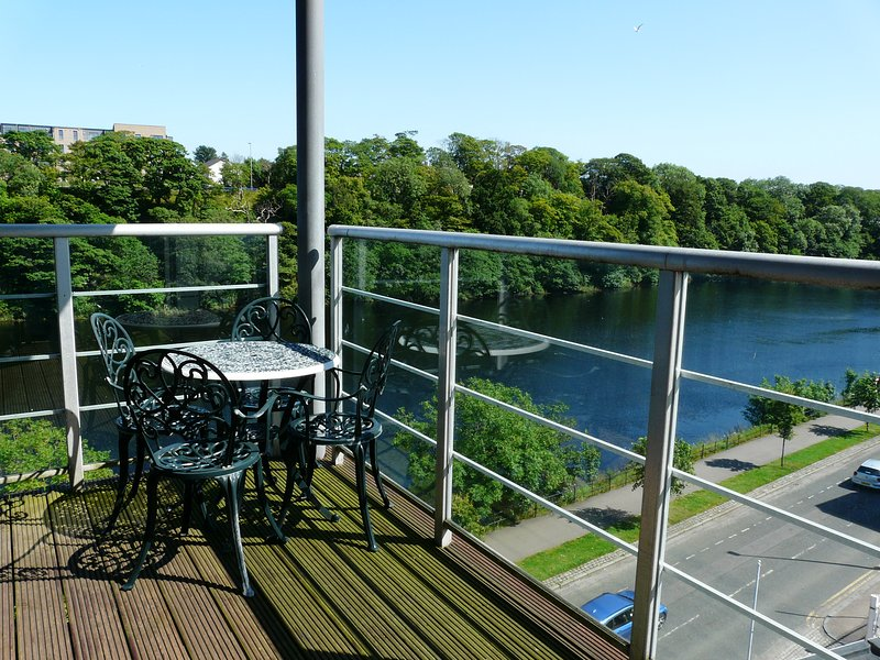 Executive Holiday Apartment with fantastic views, Ferienwohnung in Aberdeen