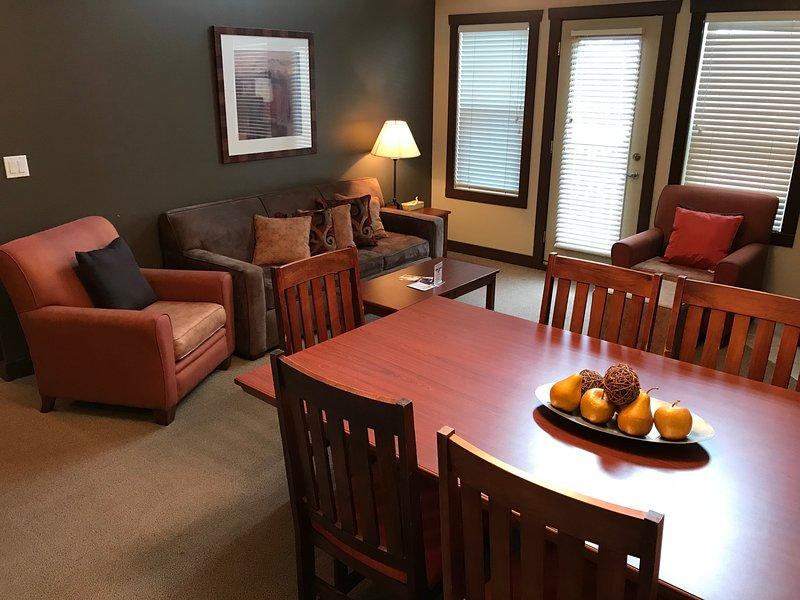 Sala da pranzo | Queen Sofa Bed in the Living Room
