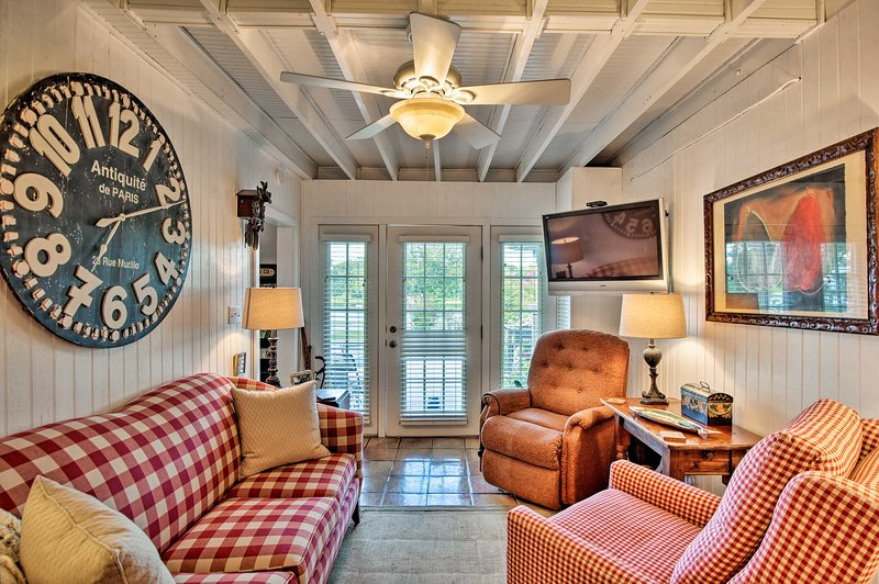 Altamonte Springs Home w/Canoe on Lake Marion, vacation rental in Longwood
