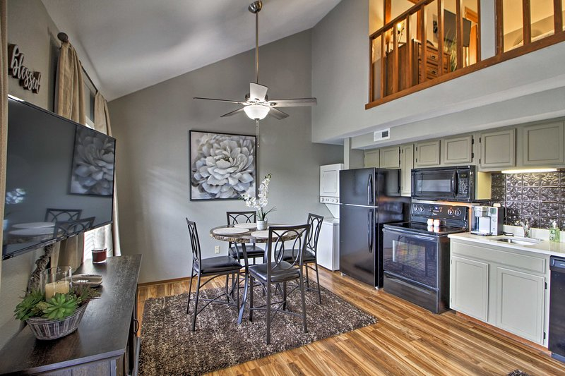Cute & Cozy Resort Condo w/ Lake Taneycomo Access!, vacation rental in Point Lookout