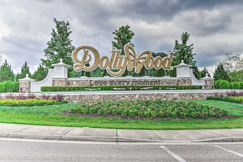 Discover the magic of Dollywood only 4 miles from your Sevierville home base!