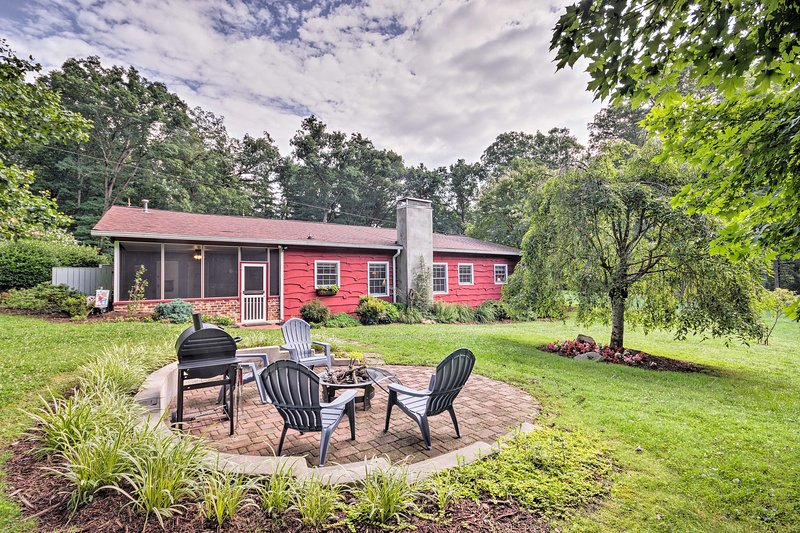 Enjoy a peaceful countryside retreat at this charming Mills River farmhouse!