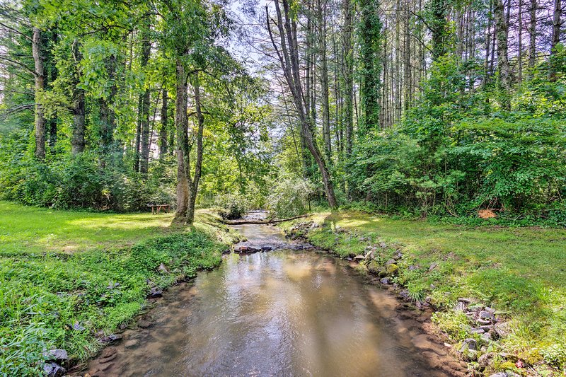 Explore fishing ponds & hiking trails on the 80 private acres of land!