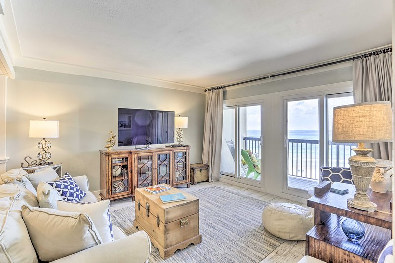 Oceanfront PCB Resort w/ Beach Access & 2 Pools!, holiday rental in Carillon Beach