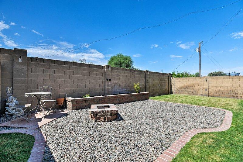 PHX Area Home Near Willow Creek & Peoria Complex!, location de vacances à El Mirage